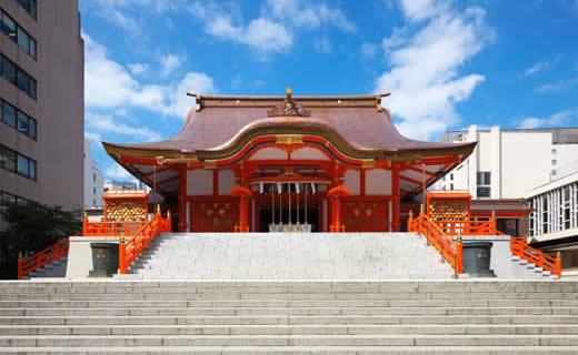 座落於城市中的神社