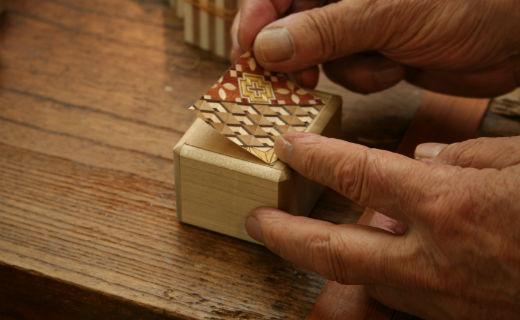箱根木块拼花工艺品